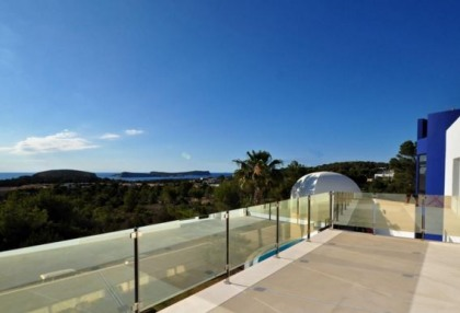Modern villa in Cala Conta with sea and sunset views_12