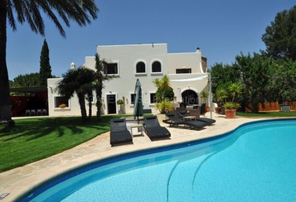 Ibizan detached villa for sale in San Jose with stone tower_12