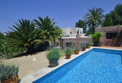 Ibizan detached villa for sale in San Jose with stone tower_15