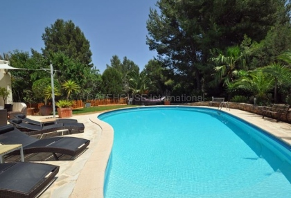 Ibizan detached villa for sale in San Jose with stone tower_18