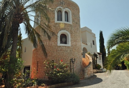 Ibizan detached villa for sale in San Jose with stone tower_7