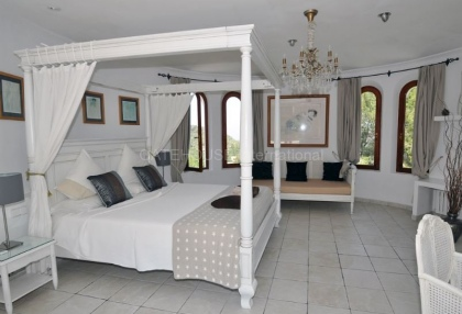 Ibizan detached villa for sale in San Jose with stone tower_9