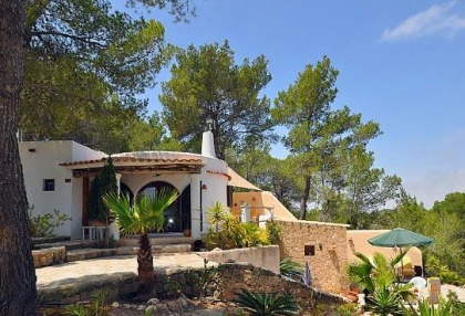 Villa for sale with guest apartment San Jose Ibiza 1