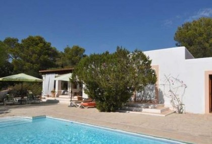 Detached villa for sale in Cala Tarida, Ibiza