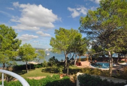 Two bedroom apartment for sale in San Antonio bay_12