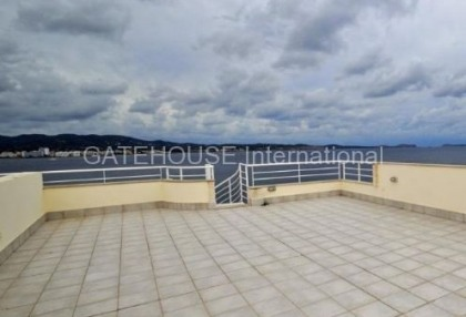 Frontline Penthouse apartment in Cala Gracio_10