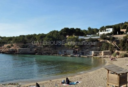 Frontline Penthouse apartment in Cala Gracio_11