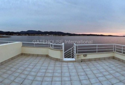 Frontline Penthouse apartment in Cala Gracio_3