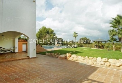 Elegant villa for sale on a large plot in Cala Bassa_5