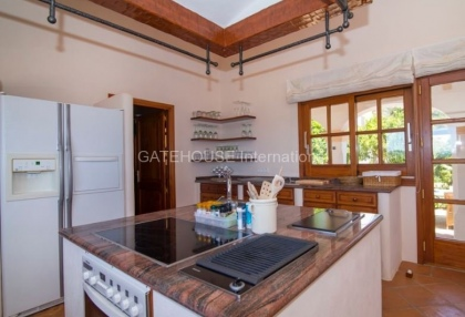 Exclusive detached mansion in San Carlos_14