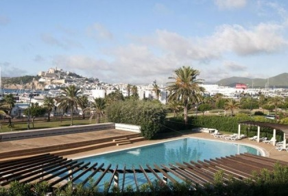 Frontline apartment for sale in Marina Botafoch, Ibiza_10