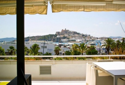 Frontline apartment for sale in Marina Botafoch, Ibiza_8