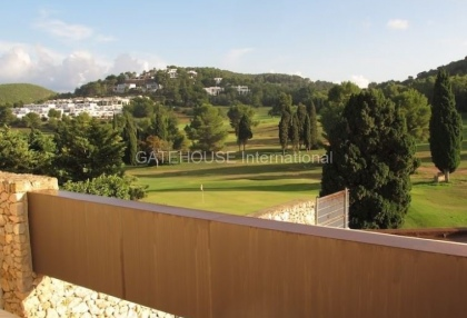 Golf course proeprty for sale in Roca Llisa_1
