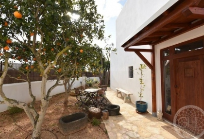 Eco friendly country house for sale in Santa Eularia_3