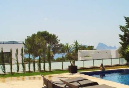 Villa for sale with Es Vedra views and tourist license_5