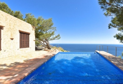 Luxury property with sea views in Cala San Vicente_3