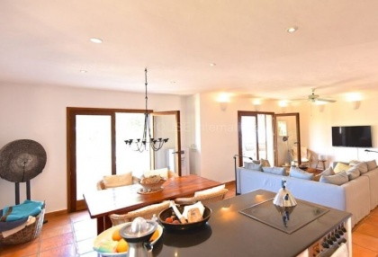 Luxury property with sea views in Cala San Vicente_6
