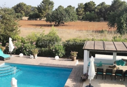 Country villa with guest accommodation close to Santa Eularia_1