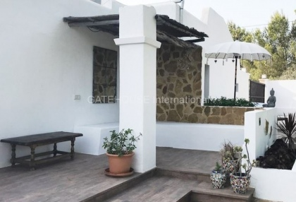 Country villa with guest accommodation close to Santa Eularia_5