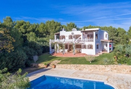 Large detached villa for sale in San Carlos_1