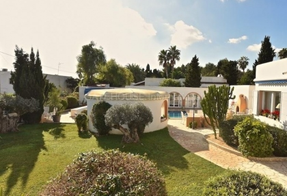 Modern detached villa walking distance of Santa Eularia_10