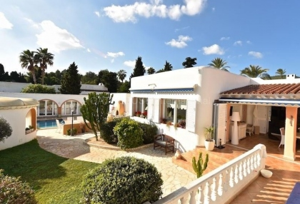 Modern detached villa walking distance of Santa Eularia_2