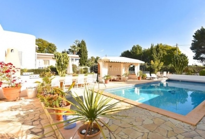 Modern detached villa walking distance of Santa Eularia_3