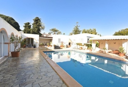 Modern detached villa walking distance of Santa Eularia_5
