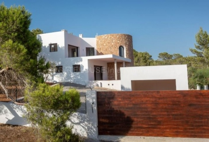 Property for sale in Cala Tarida_1