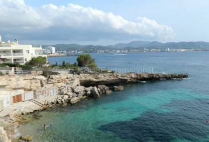 First line apartment for sale in Cala Gracio_10