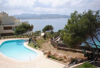 First line apartment for sale in Cala Gracio_3