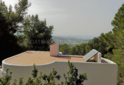 Small country house for sale in san Agustin with distant sea views_11