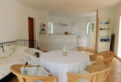 Small country house for sale in san Agustin with distant sea views_5