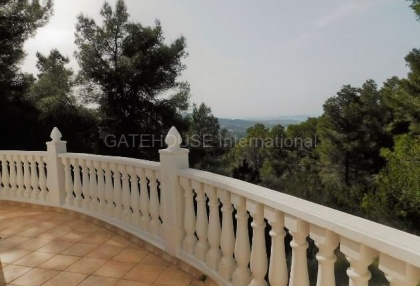 Small country house for sale in san Agustin with distant sea views_8