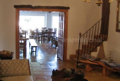 Fince for sale with guest accommodation and large plot_12