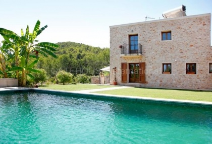 Recently renovated finca for sale in Benimussa with coutryside views_8
