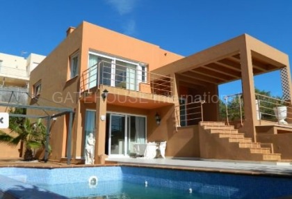 Sea view villa for sale in Cala Tarida_11