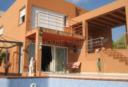 Sea view villa for sale in Cala Tarida_2