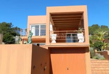 Sea view villa for sale in Cala Tarida_5