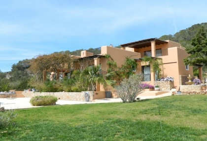 Luxury home with guest accommodation in Es Cubells_1