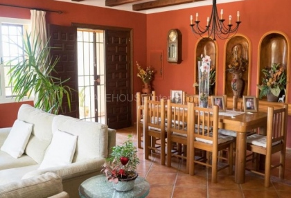 Rustic farmhouse for sale close to Es Cubells_7