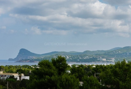 Modern villa with sea views for sale in Port des Torrent_4