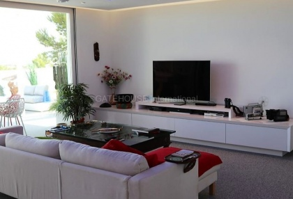Modern villa with sea views for sale in Port des Torrent_6