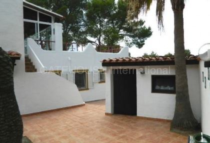 House converted to five apartments in Cala Bassa_7