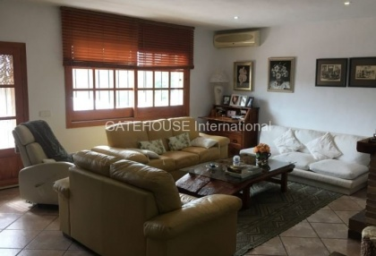 Mediterranean villa with guesthouse for sale in Santa Eularia_2