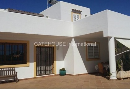 Mediterranean villa with guesthouse for sale in Santa Eularia_3