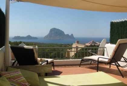 Modern sea view apartment for sale in Cala Carbo_1