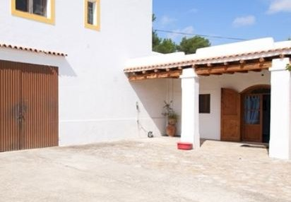 Two hundred year old finca project for sale in Santa Eulalia, Ibiza_1