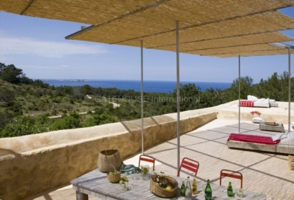 Renovated home for sale in Cala Salada with sea and sunset views_1