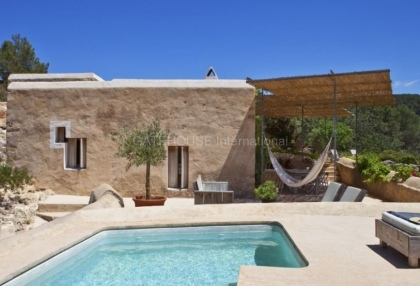 Renovated home for sale in Cala Salada with sea and sunset views_10